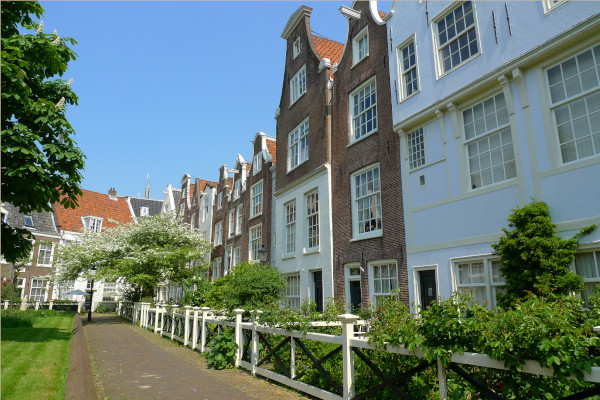 housing in amsterdam